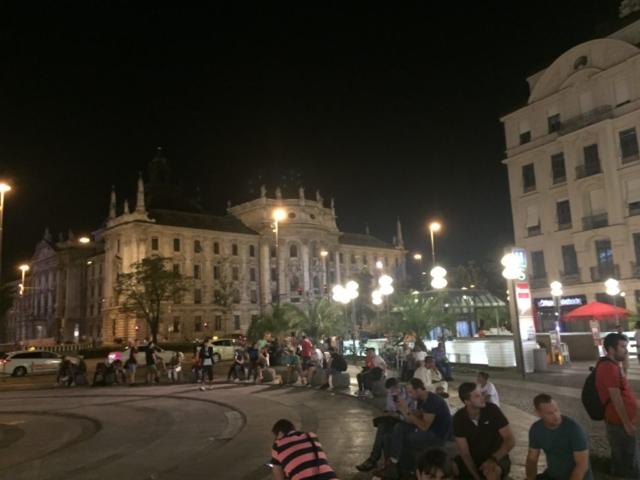 karlsplatz, munchen, germany, deutschland, mnichov, roadtrip, travel, cestovanie, bmw spat ku korenom, tonychef, tony dubravec