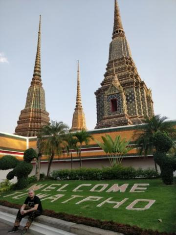 thajsko, bangkok, wat pho, budhisticky chram, tony dubravec, cestovatelsky blog, leziaci budha