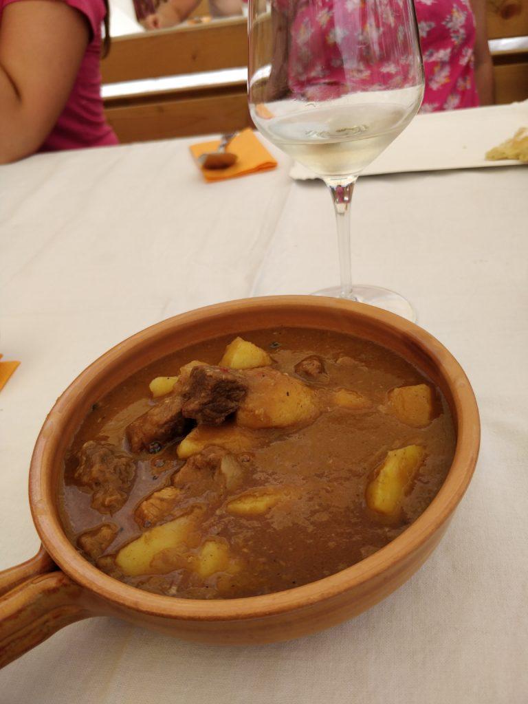 slovinsko, jedlo, steak, gastro, dovolenka, cestovatelsky blog, cestovanie, bloger, tony dubravec, bograč