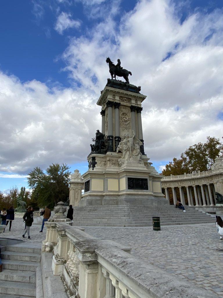 madrid, spanielsko, sprievodca, co vidiet, restauracie, kaviarne, tony dubravec, blog, cestovanie, europa, retiro, park